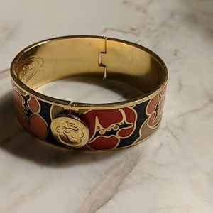 Floral Solid Hinged Bracelet with Navy Background